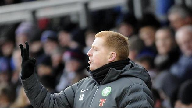 Football - Lennon angry as Celtic slump