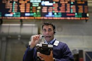 Un trader in una sala operativa. REUTERS/Brendan McDermid