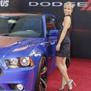 "Cast member Elsa Pataky poses at the premiere of the new film, ""Fast & Furious 6"" at Universal Citywalk in Los Angeles"