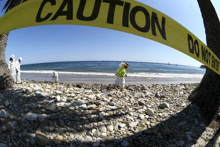 California oil spill cited by foes of new offshore drilling plan