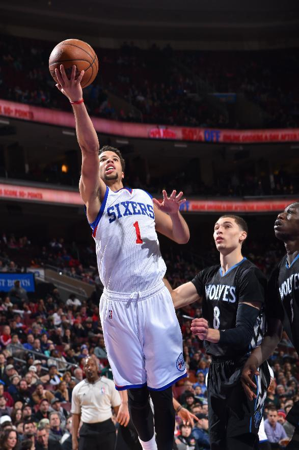 Carter-Williams leads 76ers past Timberwolves 103-94