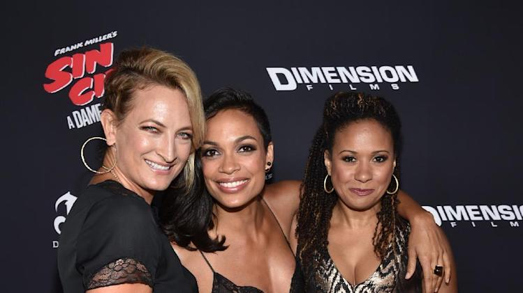 "Zoe Bell, and from led,t Rosario Dawson and Tracie Thoms arrive at the ""Sin City: A Dame to Kill For"" premiere presented by Dimension Films in partnership with Time Warner Cable, Dodge and DeLeon Tequila at TCL Chinese Theatre on Tuesday, August 19, 2014, in Los Angeles. (Photo by John Shearer/Invision for The Weinstein Company/AP Images)"