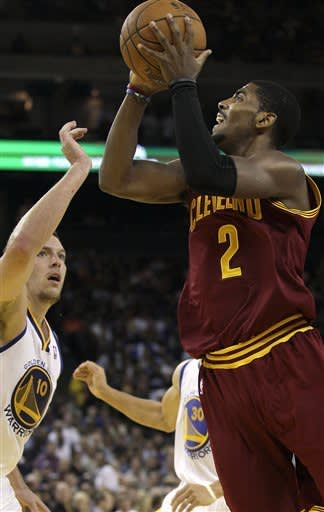 Warriors outlast undermanned Cavs, 106-96