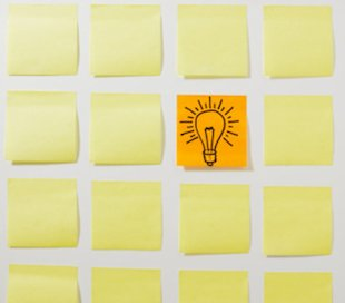 post-it sticky notes with lightbulb drawing