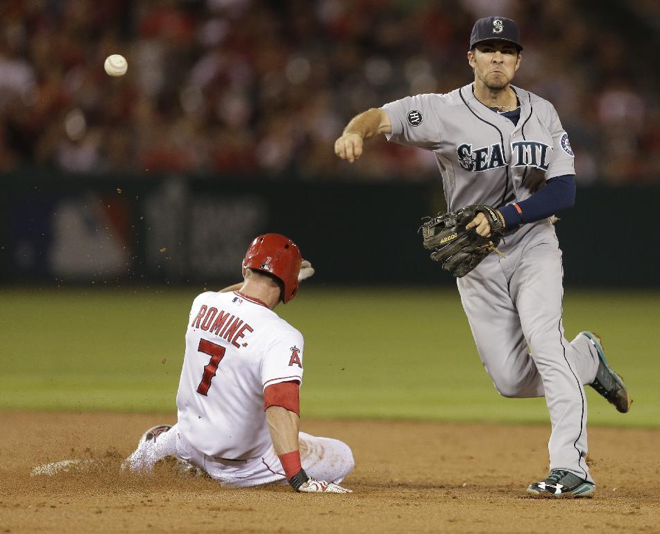 Iannetta's drive in 11th sends Angels past Seattle