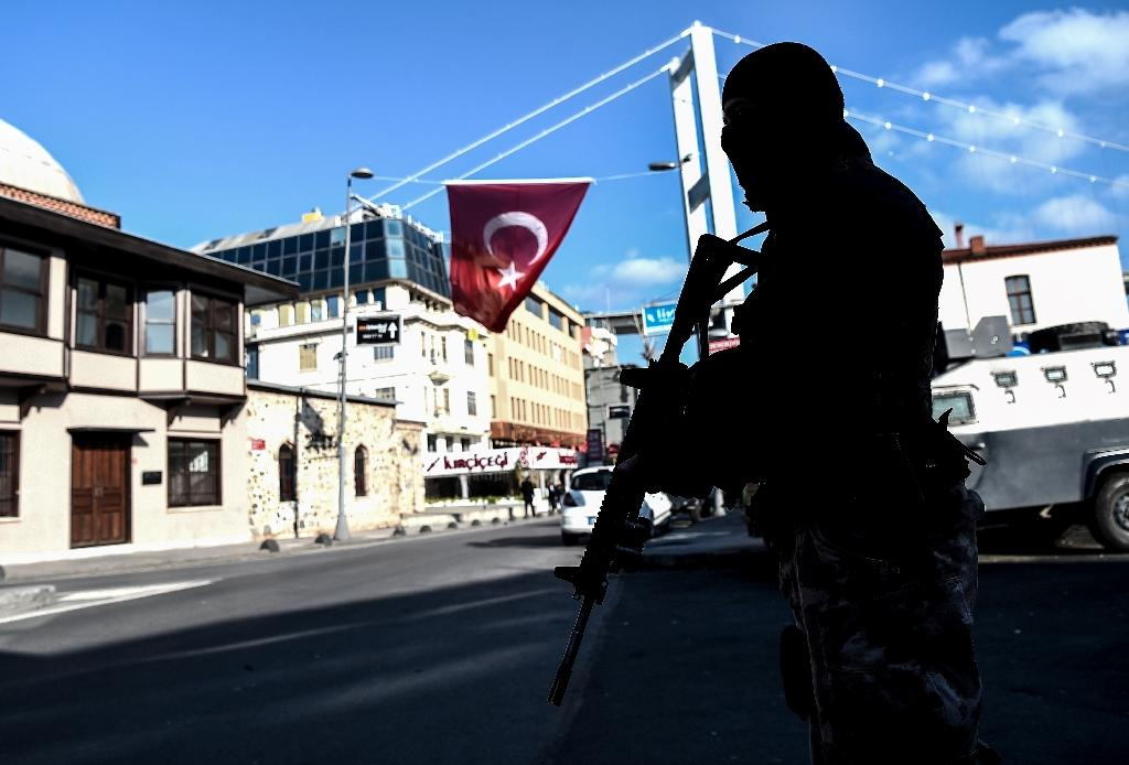 Turkish police, ruling party 'hit by attacks in Istanbul'