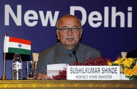 Indian Home Minister Sushil Kumar Shinde attends a bilateral meeting with Pakistan&#39;s Interior Minister Rehman Malik (not pictured) in New Delhi December 14, 2012. REUTERS/B Mathur