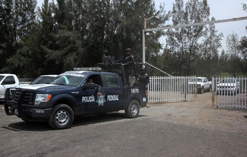 Intense gunfight kills 43 in troubled Mexico region