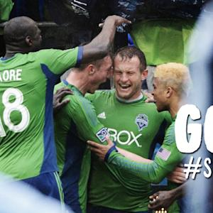 GOAL: Chad Barrett flicks in the game-winner for Seattle