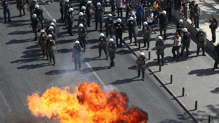 Violence breaks out at Greek anti-austerity demo