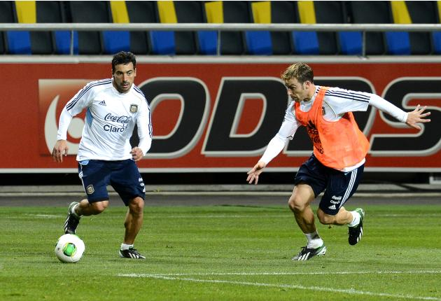 FBL-WC2014-SWE-ARG-TRAINING