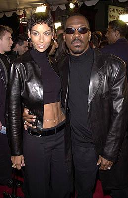 Premiere: Eddie Murphy and his wife at the Hollywood premiere of Paramount's Down To Earth - 2/12/2001