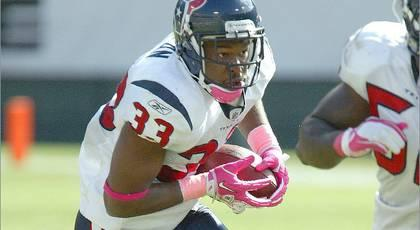 Texans re-sign S Nolan