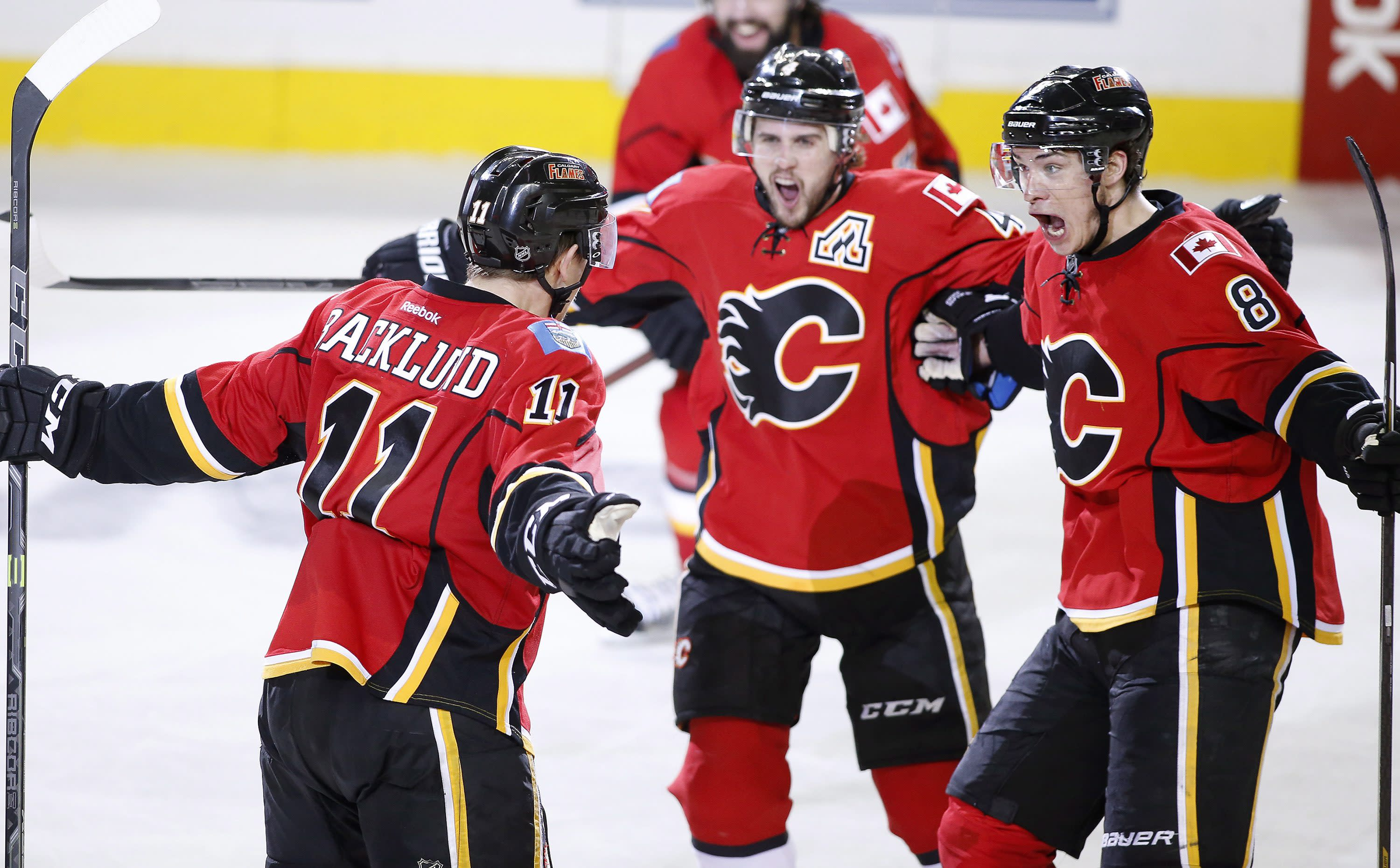 Backlund's OT goal lifts Flames over Ducks 4-3