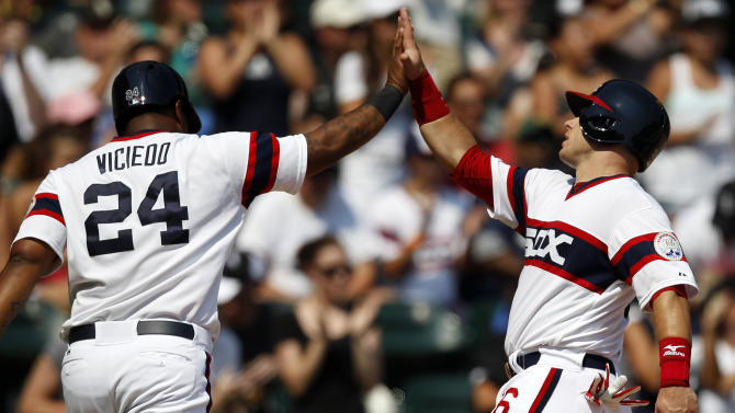 Jordan Danks homers, Chicago beats Texas 5-2