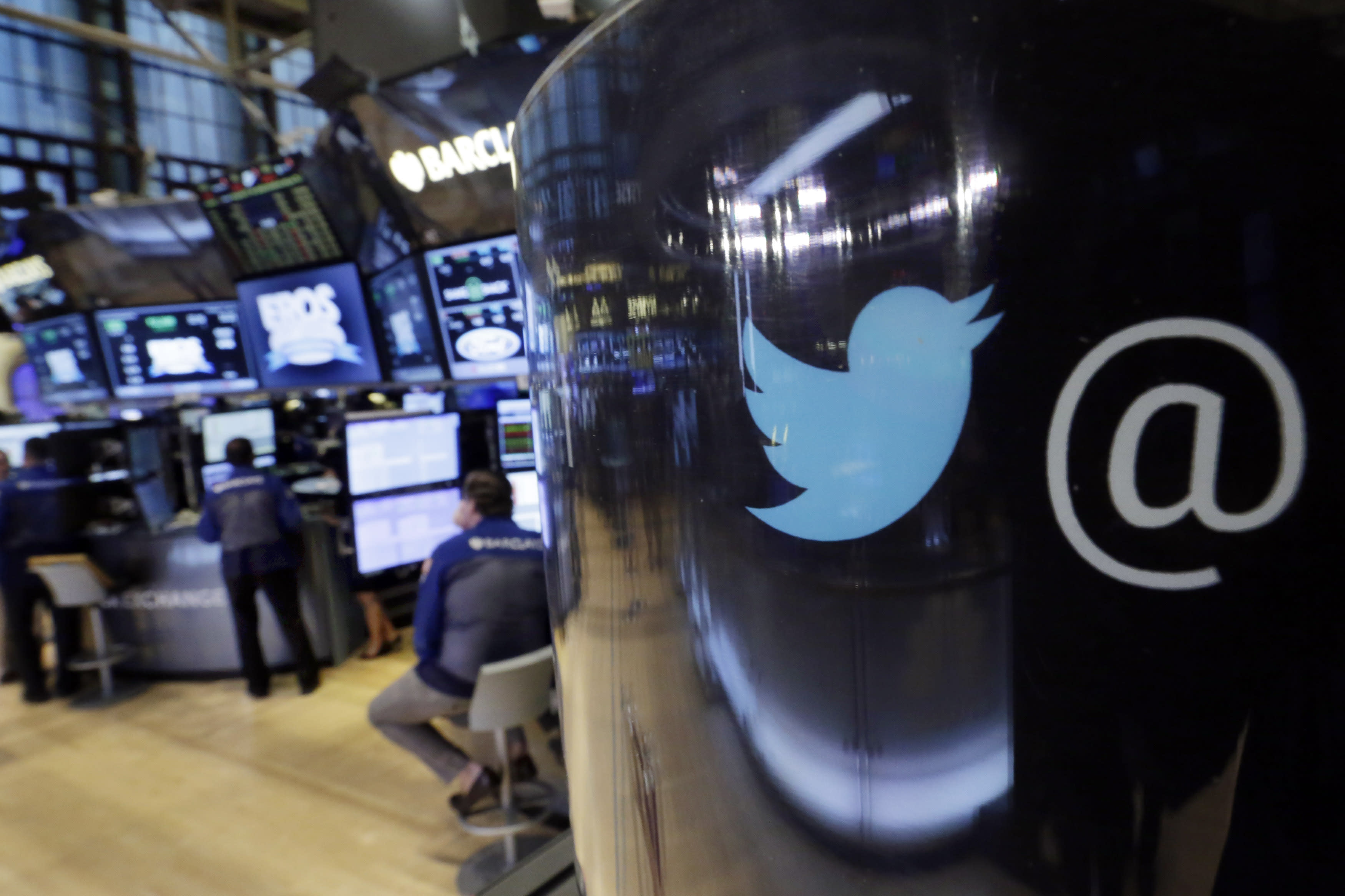 Disappearing act: Twitter reports flatlining user growth