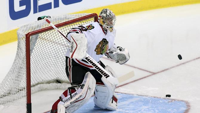 Sharp, Saad each net 2 as Blackhawks top Stars 6-2