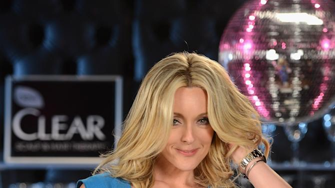 Jane Krakowski Predicts Great Hair As Tarot Card Reader