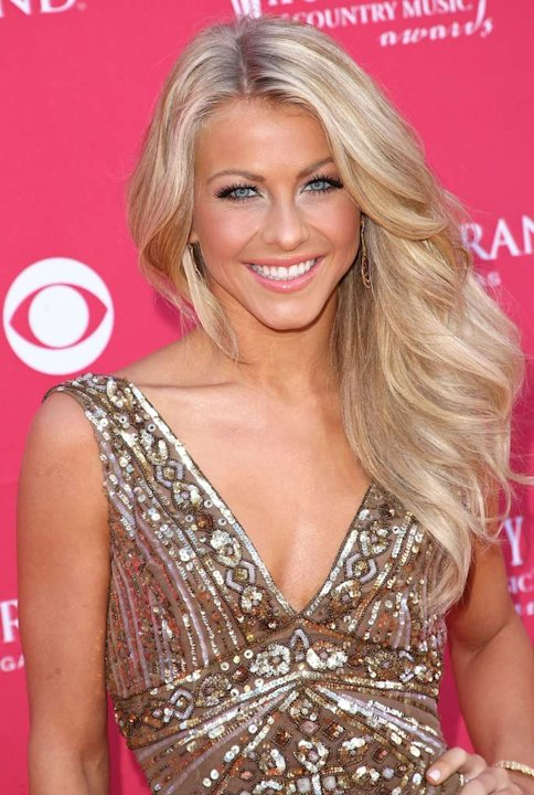 Julianne Hough arrives at the 44th annual Academy Of Country Music Awards held at the MGM Grand on April 5, 2009 in Las Vegas, Nevada. 
