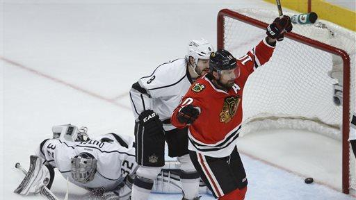 Blackhawks beat Kings to take 2-0 lead in series