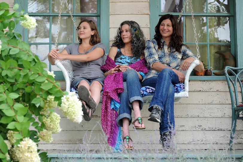 "This image released by IFC Films shows Elizabeth Olsen, left, Jane Fonda and Catherine Keener in a scene from ""Peace Love and Misunderstanding."" (AP Photo/IFC Films)"