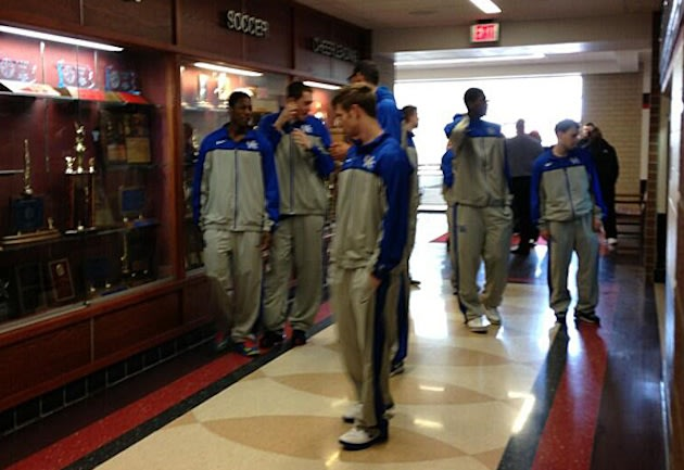 Kentucky stars peruse the halls of Moon Area High — Twitter