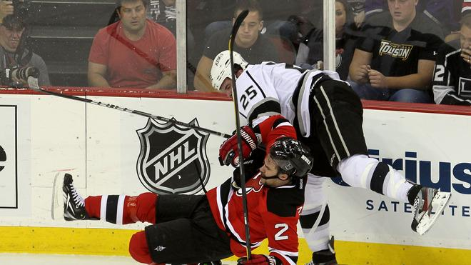 Dustin Penner #25 Of The Los Angeles Kings Collides Getty Images