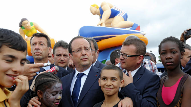 France tries 1 more cure for volatile suburbs