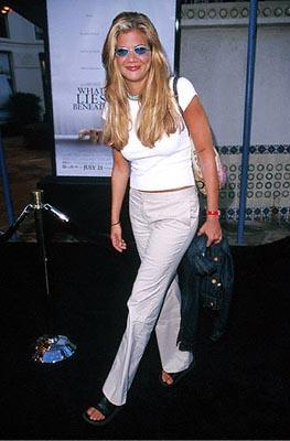 Premiere: Kristen Johnston at the Mann's Village Theater premiere of Dreamworks' What Lies Beneath - 7/18/2000