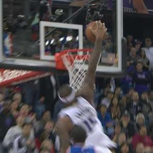 Cousins' Emphatic dunk