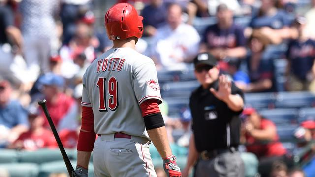 Joey Votto gets ejected