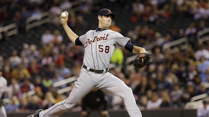 Tigers clinch playoff spot with 4-2 win over Twins