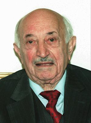 FILE-- This 1995 file photo shows Nazi-hunter Simon Wiesenthal. Mormon church leaders have apologized to the family of Holocaust survivor and Jewish rights advocate Simon Wiesenthal after his parents were posthumously baptized in a Mormon temple ritual last month. (AP Photo/Ronald Zak, File)