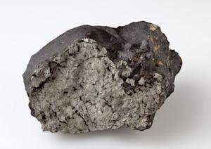 Meteorite's Black Glass May Reveal Secrets of Mars