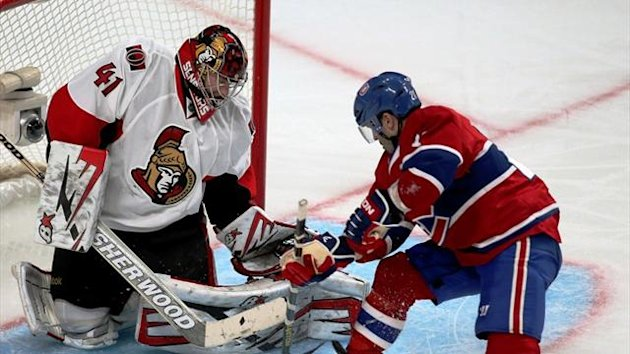 Ottawa Senators goalie Craig Anderson makes a save against Montreal Canadiens' Brian Gionta (Reuters)