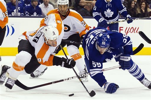 Maple Leafs surge past Flyers 5-2
