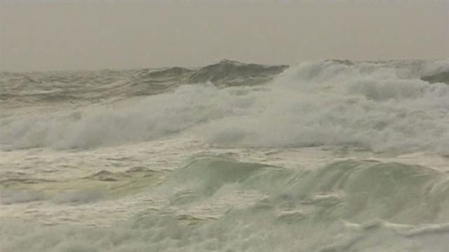 Tropical storm Andrea leaves flooded areas up and down the east coast