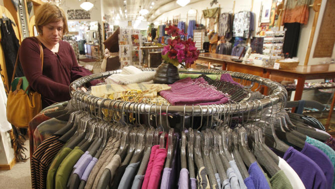 US retail sales fall 0.4 percent in March