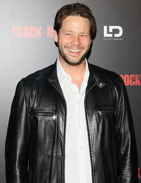 Ike Barinholtz Is A Dad! Mindy Project Star Welcomes Daughter With Wife