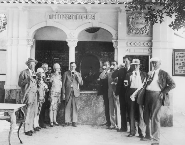 In Havana in 1930, tourists find free beer at every turn.