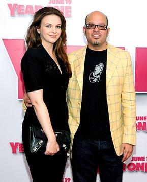 Amber Tamblyn, 28, Engaged to David Cross, 47