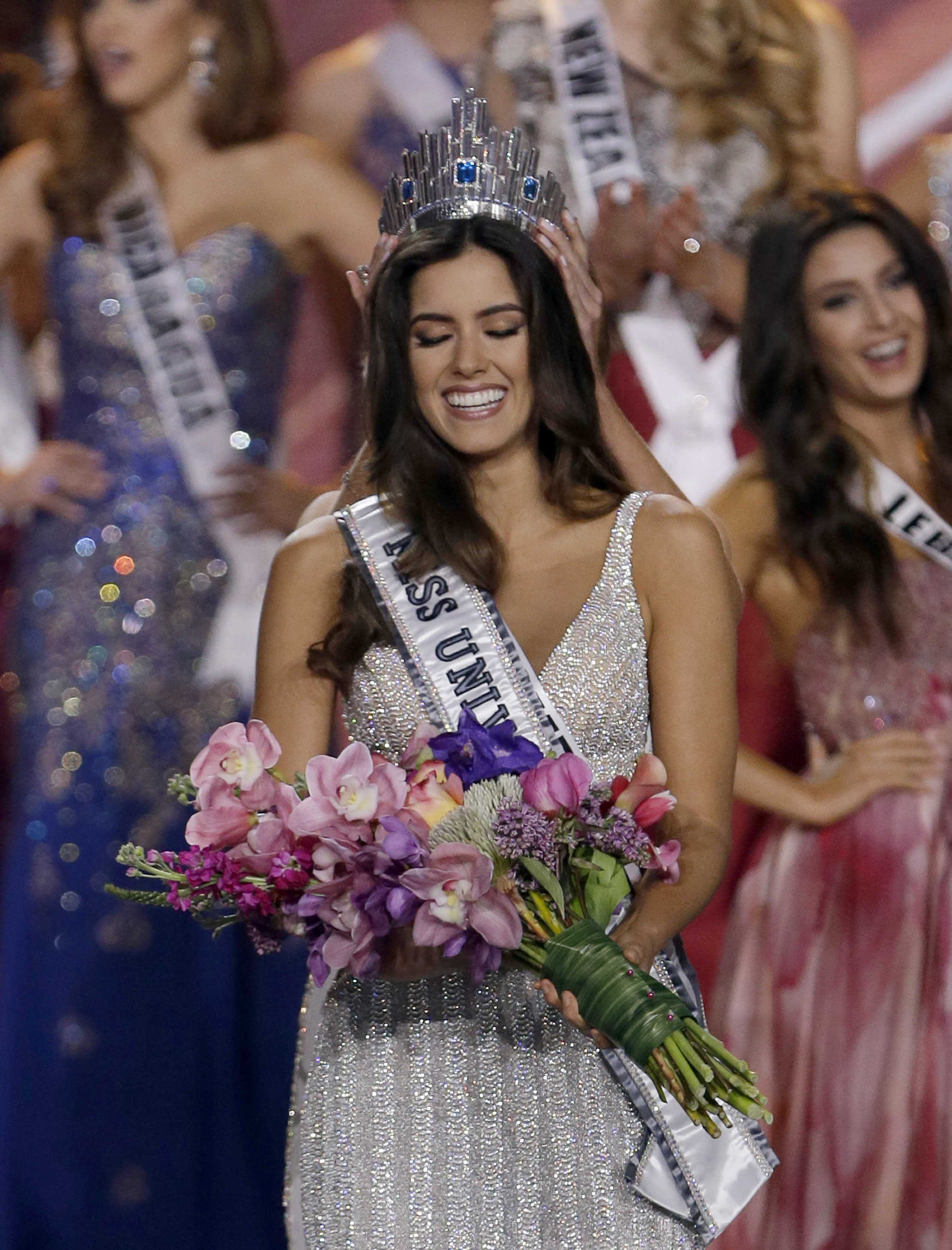 Miss Colombia crowned Miss Universe; Miss USA runner-up