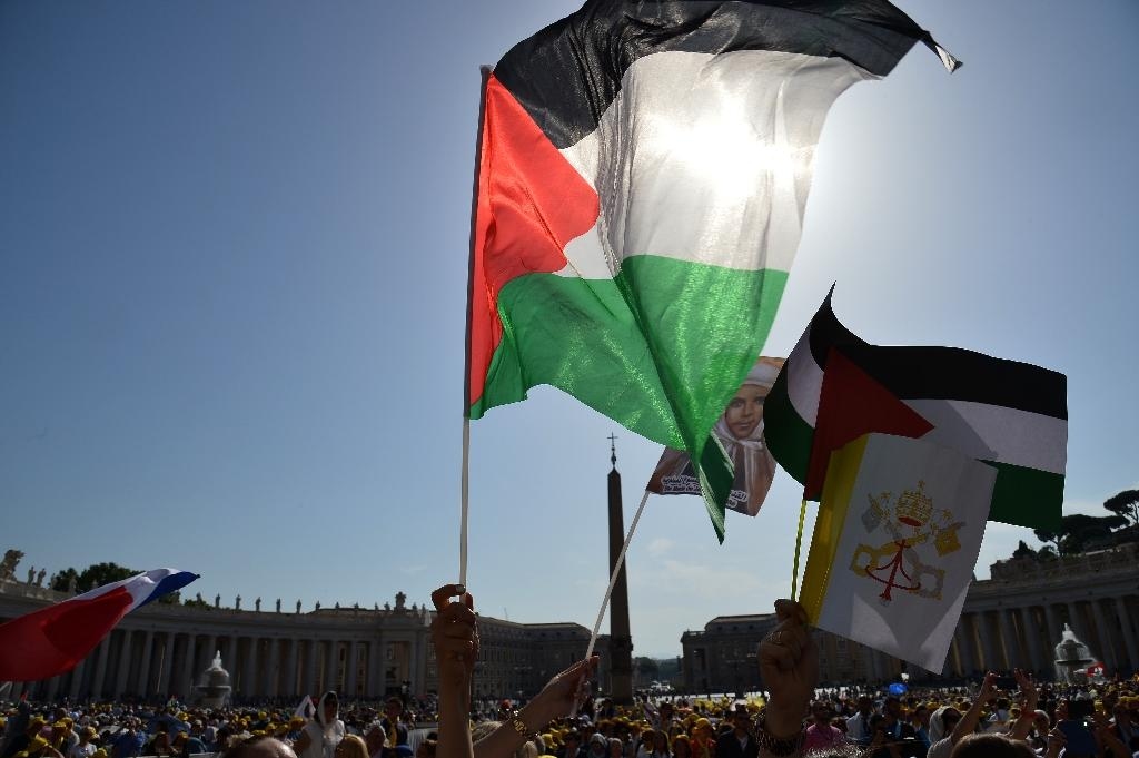 Vatican differs with Palestinians on flags at UN headquarters