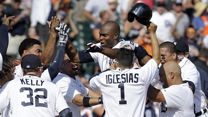 Hunter's 3-run HR in 9th lifts Tigers over A's