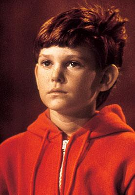 Elliott ( Henry Thomas ) in Universal's E.T. The Extra-Terrestrial