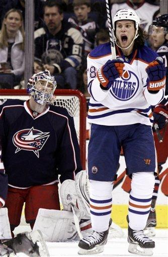 Oilers score 5 in 2nd to beat CBJ, 6-3