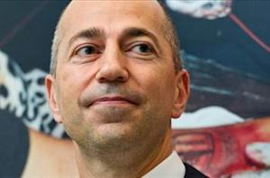 Arsenal chief executive Ivan Gazidis reassures fans over title priorities