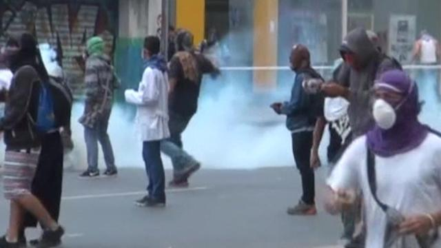 Anti-Maduro protests turn violent in Caracas