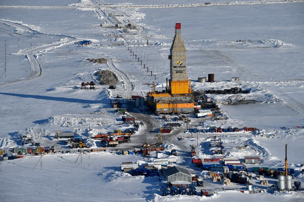 Russia's vast Arctic gas project aims to avoid Ukraine deep freeze