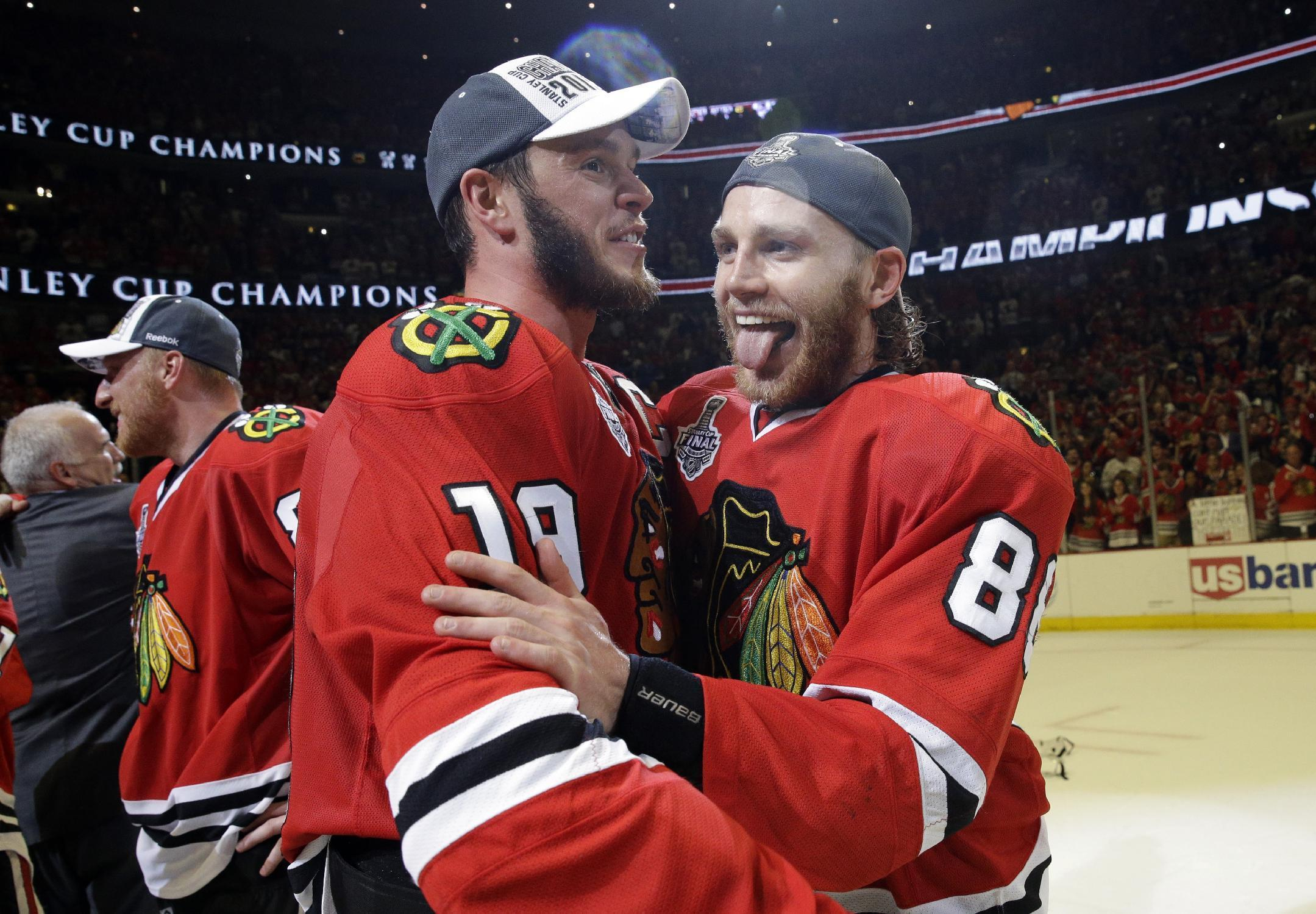 Jonathan Toews on Patrick Kane situation: 'You stay together as a team'